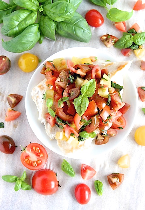 Chicken Bruschetta {Gluten Free & Paleo Friendly} - www.betterwithcake.com