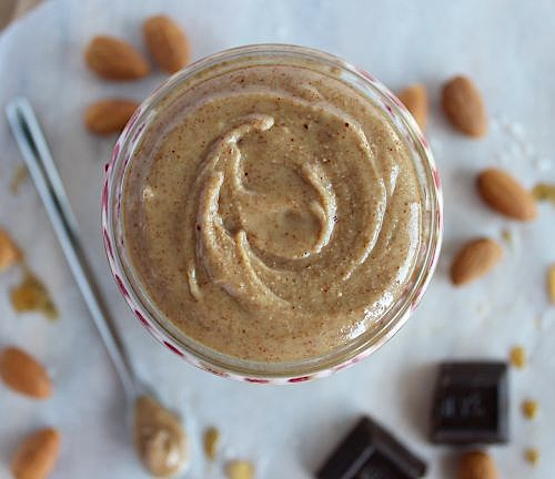 Healthy, Homemade Maple-Vanilla Almond Butter {Vegan, Dairy free & Paleo Friendly} - www.betterwithcake.com