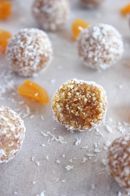 Apricot Delight Energy Bites {Vegan & Paleo Friendly} - www.betterwithcake.com