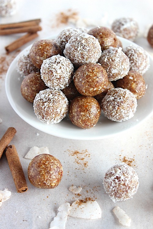Salted Caramel Chai Spiced Bliss Bites {Vegan, Gluten Free & Paleo Friendly} - www.betterwithcake.com