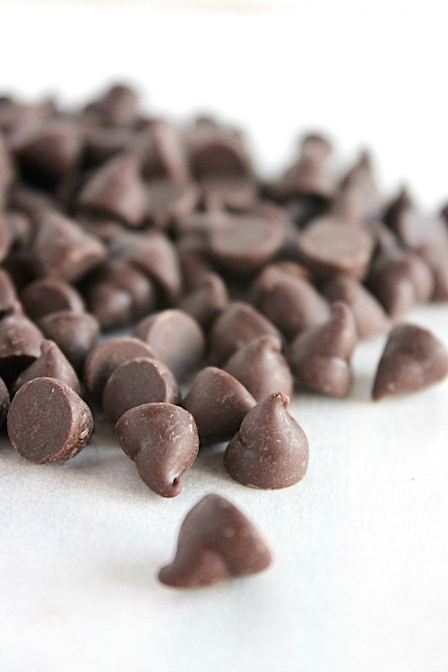 Deliciously Simple, Healthy, Homemade Dark Chocolate Coated Salted Caramels {Gluten Free & Paleo Friendly} - www.betterwithcake.com